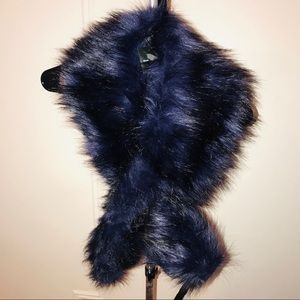 NWT Club Monaco Faux Fur Blue Scarf.